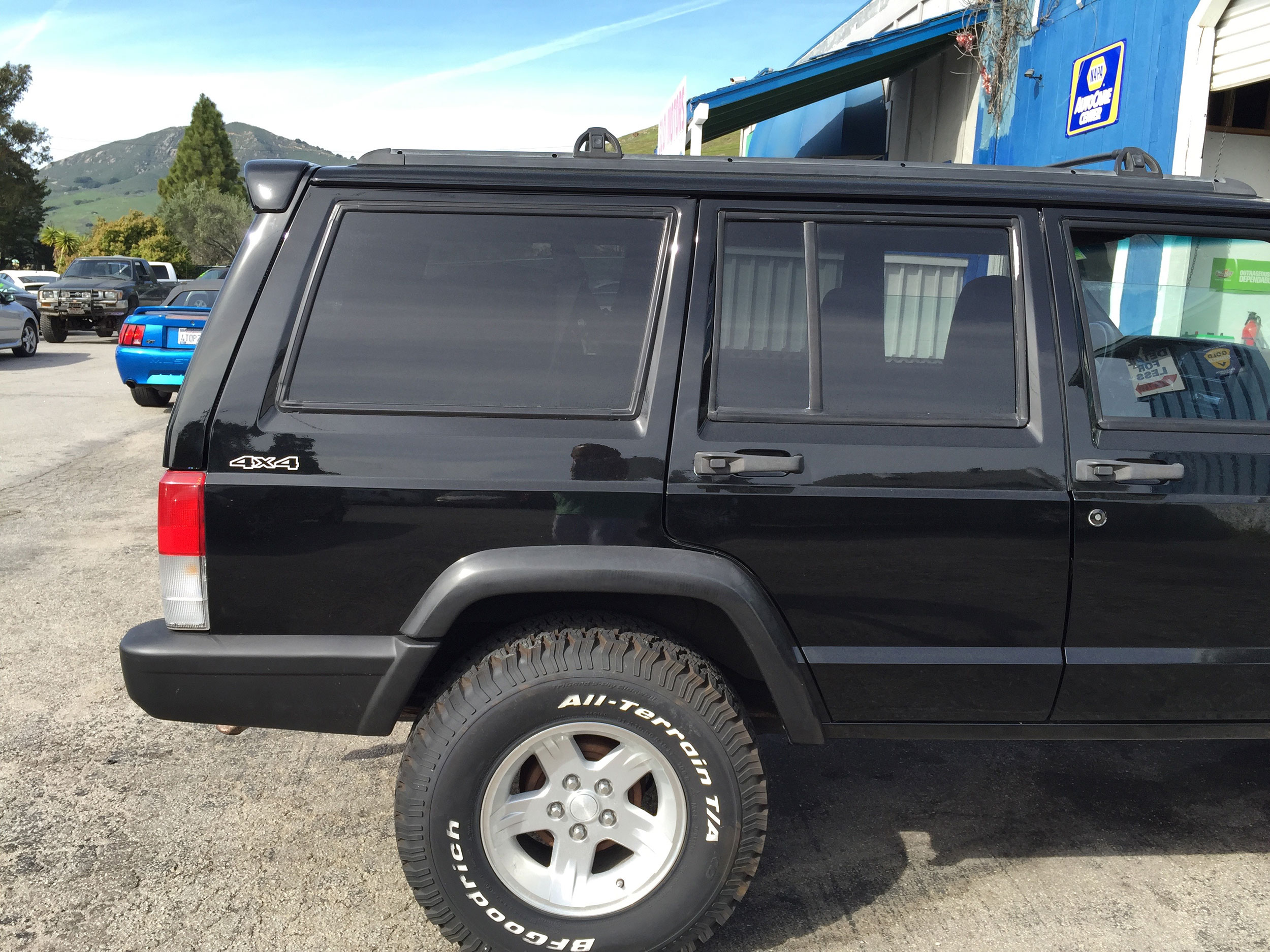 Jeep Cherokee Xj Custom Spoiler And Spoilerlight Type I Cargo Dimentions Search For